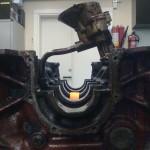 """Ett problem som uppstår när man vill montera en """"huvud""""-axel tätt intill vevaxeln är att där sitter det en oljepump..."""