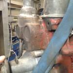 """Kontentan blir alltså att jag använder originaltermostater i respektive topp, kylaren och pumpen från Vabisen och ett rörsystem som kopplar ihop hela villebitten. Termostathuset i bild kommer inte att finnas med på den färdiga konstruktionen. Där kommer det att sitta en lååång ventilkåpa som håller ihop helhetsintrycket av """"en"""" motor. Men det är en helt annan historia..."""