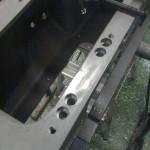 Hålen är försänkta och brotschade, så jag kan täta spännskruvarna med O-ring.