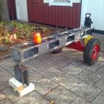 I somras tillverkade jag en hjulaxel / stativ som nu har fått komma väl till pass. Här har jag tagit ut vevhuset för att…