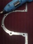 Jag har med min lilla slipmaskin gjort spår för motorsilikonet när detaljen så småningom ska monteras mot framförvarande motorblock.