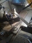… och filning. Lägg märke till hur maskinerna blir vid bearbetning av mässing.