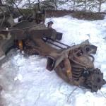 …det jag misstänkte från början, att den axeln flyttar jag inte utan traktor. 200 – 300 kg, skulle jag tro…