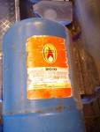 """2015-06-27  Av en gammal (jag gissar 60-talet) gasoltub jag fann på tippen, har jag börjat tillverka min avluftningscyklon. Detta har alltså inget samband med oljerenarcentrifugen. Det är som namnen antyder en """"avluftare"""" respektive en """"oljerenare""""."""