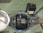 Så då blev den uppfylld med 2,6 liter Q8 GL5 Syntetisk växelolja och igenklistrad. Jo, det var så sant… den fick en skvätt Omega 917 packningsfixare också.