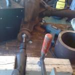 … huset fyllt med hydraulolja, värmepistol och två kupe´värmare, en kraftig borrmaskin, några klotsar, tvingar…