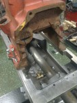 Här på plats som hållare för pumpen. På så sätt är det lättare att komma åt att mäta och bocka rör.