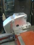 Hållaren till centrifugen på G igen. Här borrar …