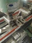 … upp i fräsmaskinen för att plana lagerläget…