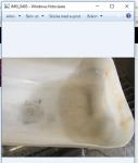 Efter att ha tvättat av alla 32 ventiler kan jag konstatera att det fanns en hel del karborundumkorn från ventilslippastan i botten på tvättbaljan. Dessa slipkorn vill man verkligen inte ha i ventilstyrningarna.