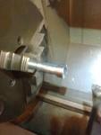 Efter att ha slagit sönder en ventilskafttätning började jag tillverka ett verktyg för detta. Tog en skruv som utgångsmaterial.