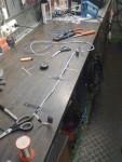 Här tillverkar jag kabelstammen. Värmetålig silikonkabel samt PET-tejp.